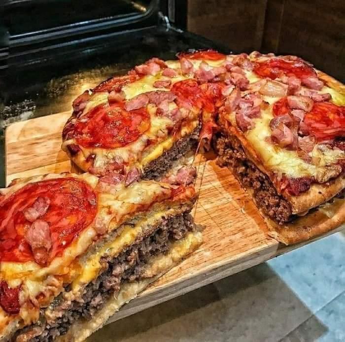 Pizza Burguesa Cavernícola. 15 000