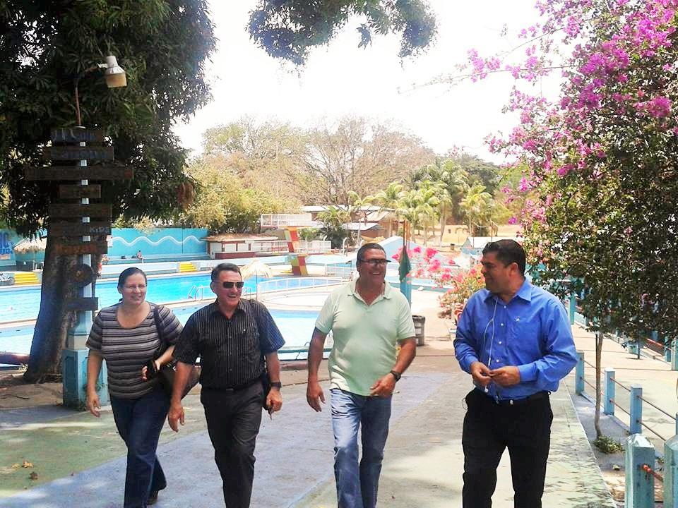 Reciente visita que realizó el Diputado de la provincia de Heredia José Ramírez Aguilar al balneario, lo acompañan Manuel González, Francisco Villegas y Maria Zamora.