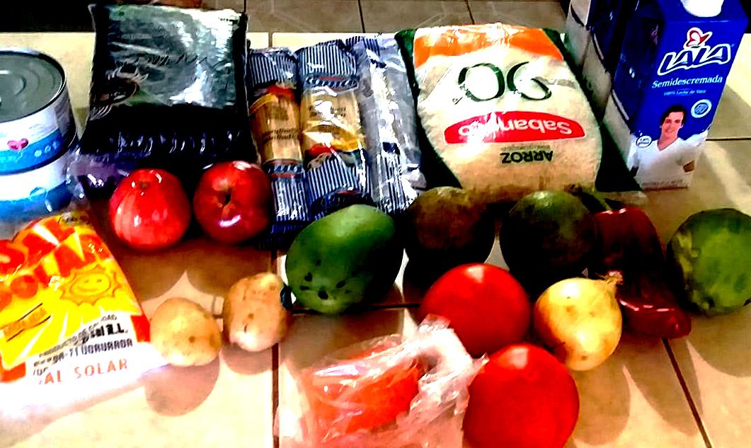 Estos son algunos de los alimentos que incluye el paquete. Foto por Cinthia Elena González Valerio
