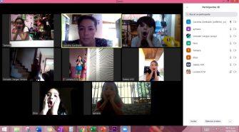Carolina Zumbado impartiendo clases virtuales de teatro.