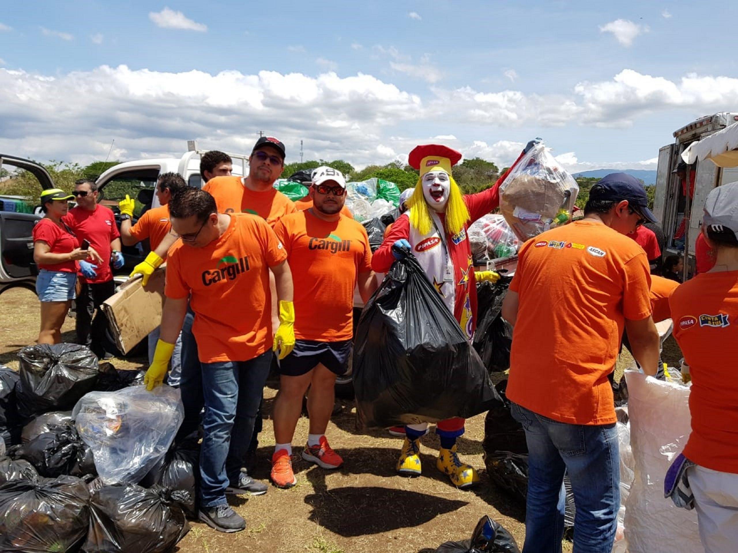 Mediante campañas de reciclaje Carguill