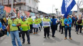 Una manifestación que unión al sindicato ANEP y a los Alcaldes, respaldó la aprobación de la ley. Horacio Alvarado fue parte de los alcaldes que participaron en la manifestación junto al dirigente sindical Albino Vargas.