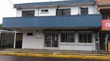 En el edificio desalojado funcionan varios departamentos de la Municipalidad, entre ellos el Área Financiera, Recursos Humanos y Servicios Públicos.