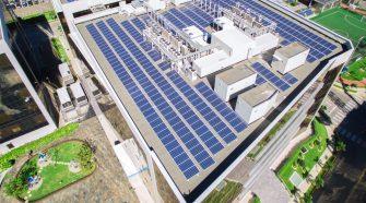 Los paneles solares generan 1800 MWh de energía.