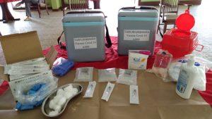 Paquete de vacunación empleados en el primer día de campaña.