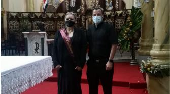 Lorena Ramírez Delgado (izquierda) es la candidata de la Parroquia para el Reinado del Centenario.