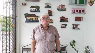 Don Carlos es un polifacético belemita que tiene como una de sus misiones en la vida hacer feliz a la gente.