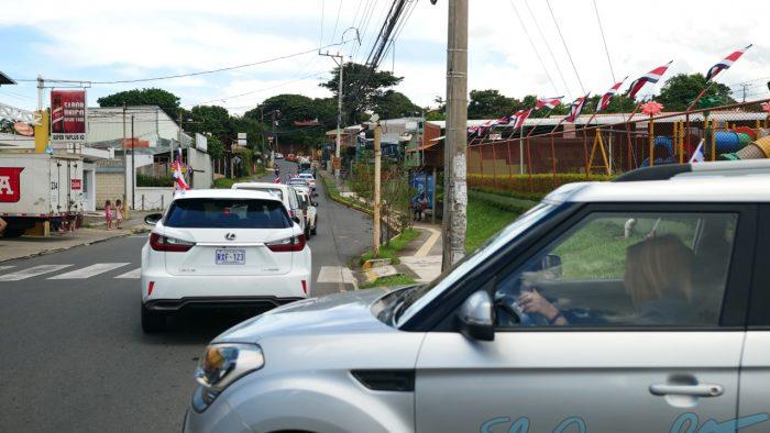 Se calcularon cerca de 50 carros participando en la caravana.