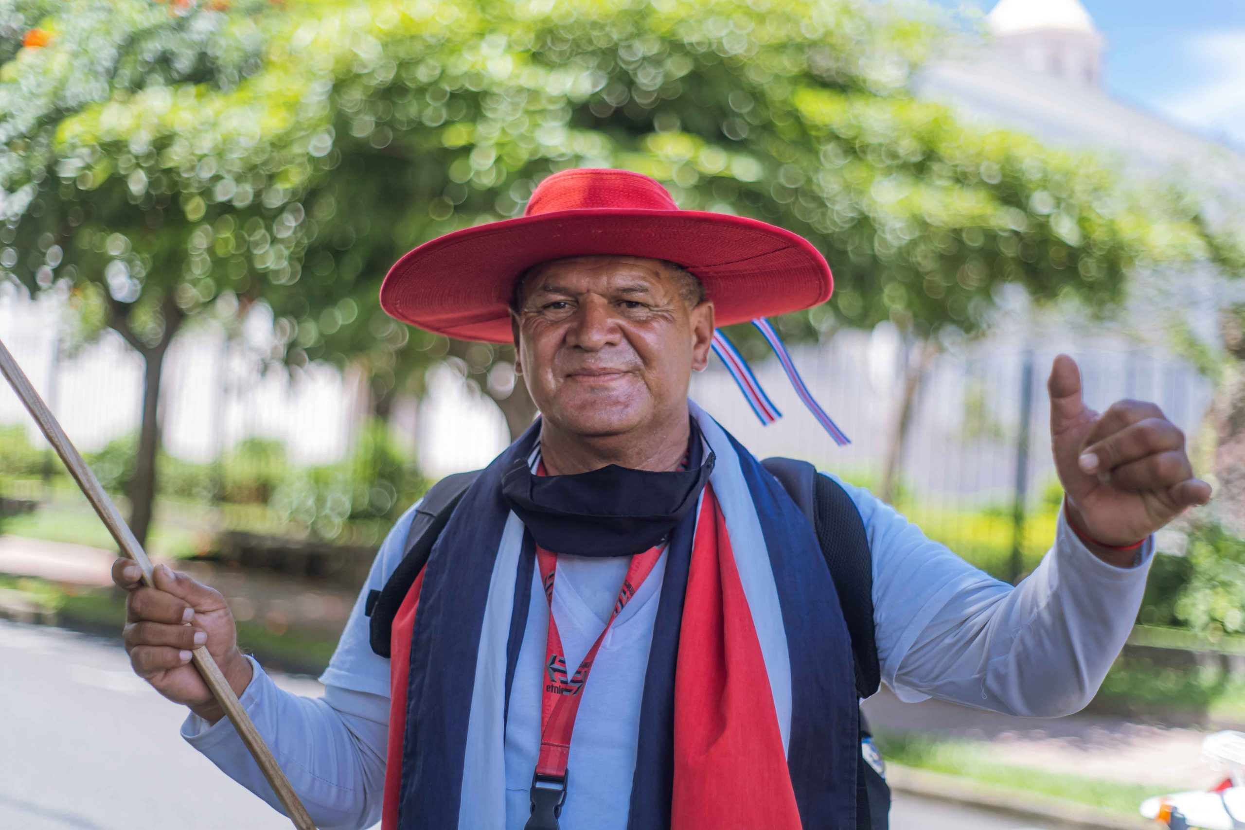Gerardo ''Tatu'' histórico salvavidas del Ojo de Agua vistió sus mejores galas patrióticas.